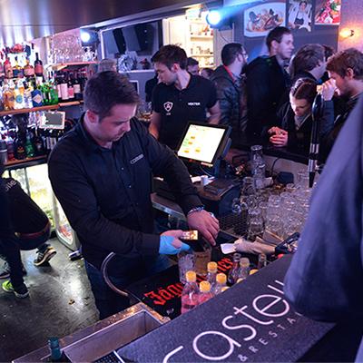 Bartender på jobb